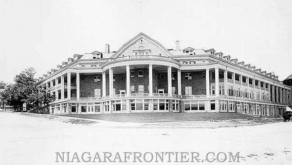 Niagara old casino
